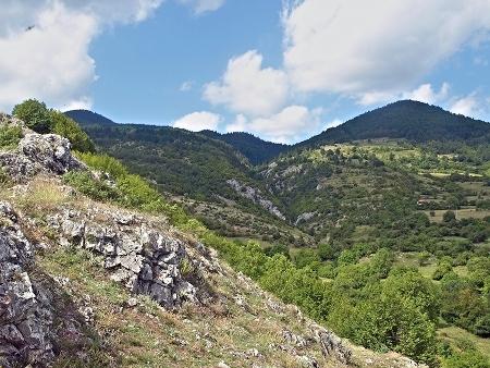 Гледка от подножието на Дуплевски камък на север